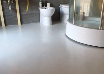 pavimento resina bagno