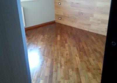 pavimento e parete in legno