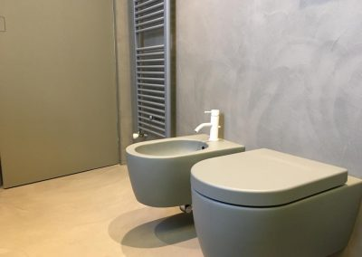 bagno in resina spatolato servizi