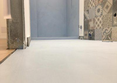 bagno pavimento resina