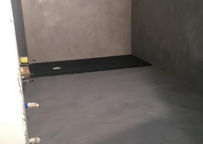 pavimentazione pareti bagno in resina