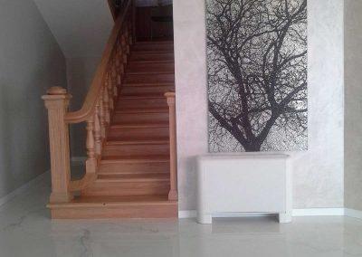 pavimento in resina e scale in legno