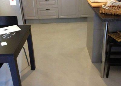 pavimento cucina resina