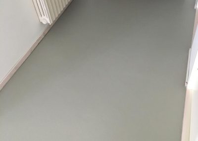 pavimento resina spatolato corridoio