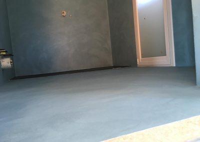 pavimento bagno resina spatolato